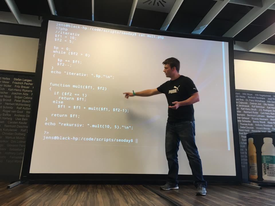 Jens Altmann in seinem Vortrag beim SEOCodeDay